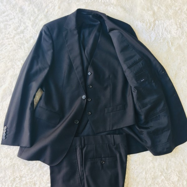 646 美品 スリーピース HUGO BOSS ヒューゴボス スーツ ブラック 黒 48 メンズ XL位 3ピース_画像5