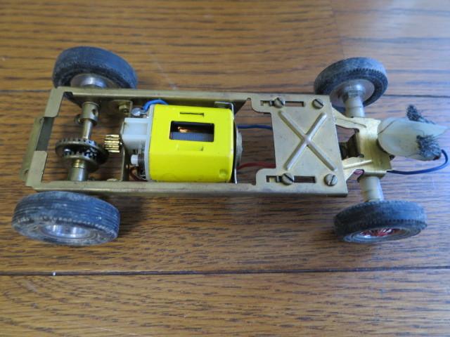 monogram models inc スロットカー フェラーリ 330P モーター2個付き_画像7