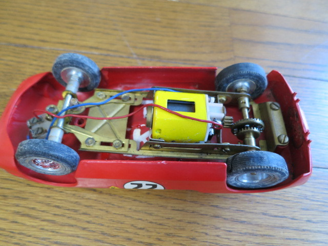 monogram models inc スロットカー フェラーリ 330P モーター2個付き_画像6