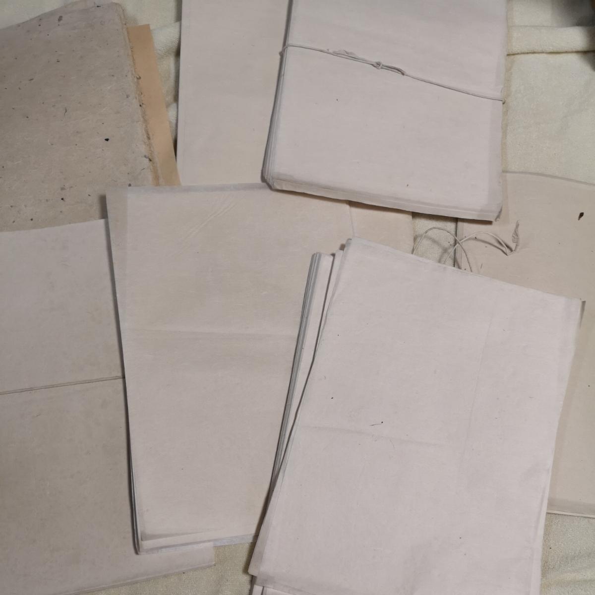 戦前 和紙 大量 約1.6キロ 紙質色々 半紙_画像8