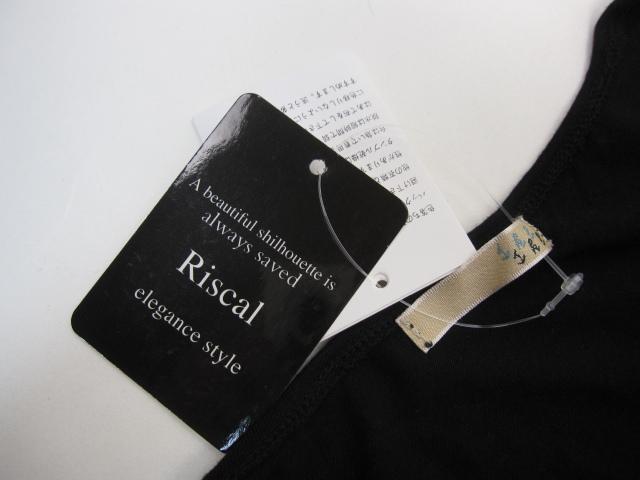 新品・未使用品 Riscal ワンピース ノースリーブ ひざ丈 レーヨン混 M~L 黒 C598_画像5