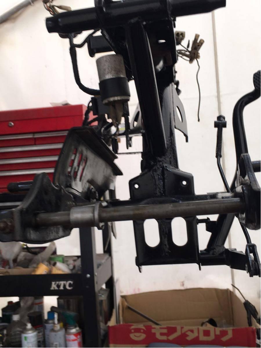 モンキー ゴリラ Z50J フレーム 書類有り 塗装済み 6V 4L スイングアーム メインハーネス ブレーキペダル 電装品 チェーンカバー_画像7