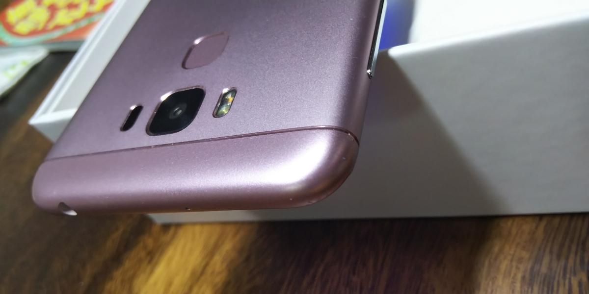 保証残あり ASUS Zenfone3 Max 5.5 ZC553KL ピンク スマホ本体 SIMフリー 箱 付属品あり_画像3