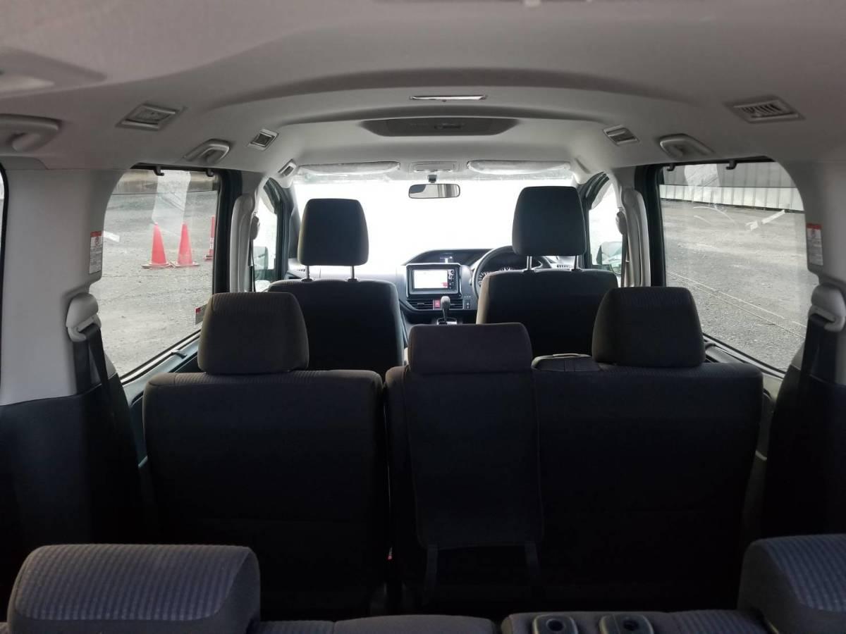 H26年登録 ノア X 走行6.4万k m 人気のブラック 車検令和3年6月まで!_画像8