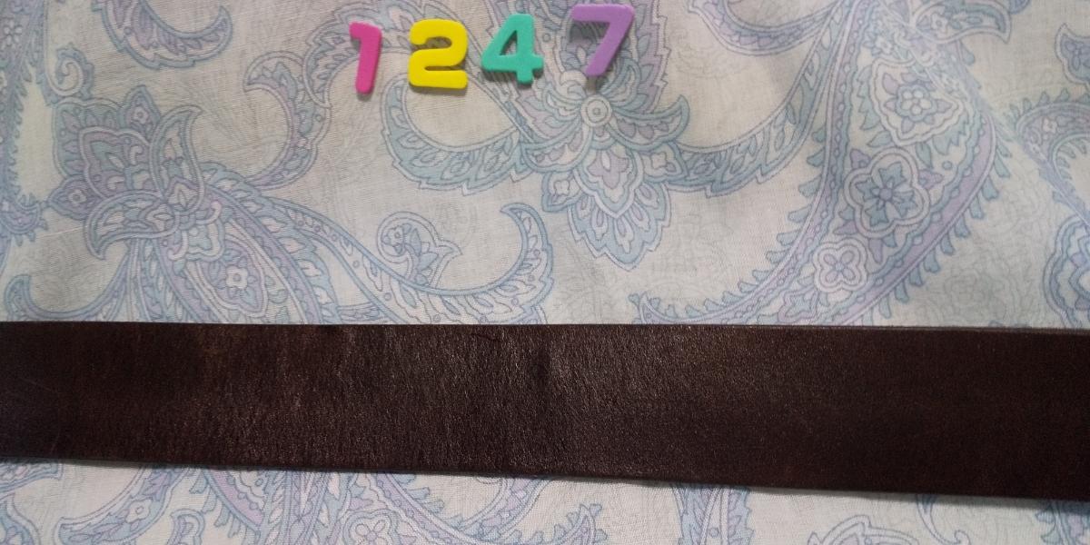 1247 ドルチェ&ガッバーナ DG ロゴつきシルバースクエアバックル 焦げ茶色レザー ベルト イタリア ミラノ サイズ 80_画像5