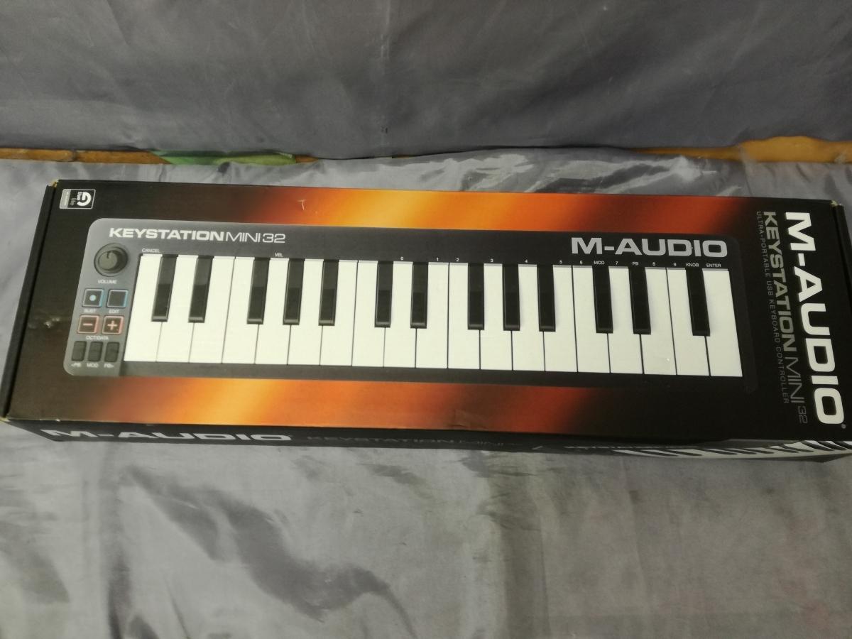 J589 美品中古 展示戻り品 送料無料 M-Audio USB MIDIキーボード Keystation Mini 32 超小型 コンパクト 楽曲制作 編曲 作曲 アレンジ