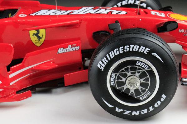 MFH 1/12 フェラーリ F2008 マルボロ仕様 完成品_画像10