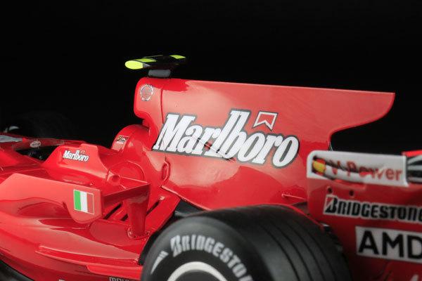 MFH 1/12 フェラーリ F2008 マルボロ仕様 完成品_画像6