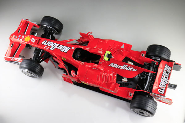 MFH 1/12 フェラーリ F2008 マルボロ仕様 完成品_画像3