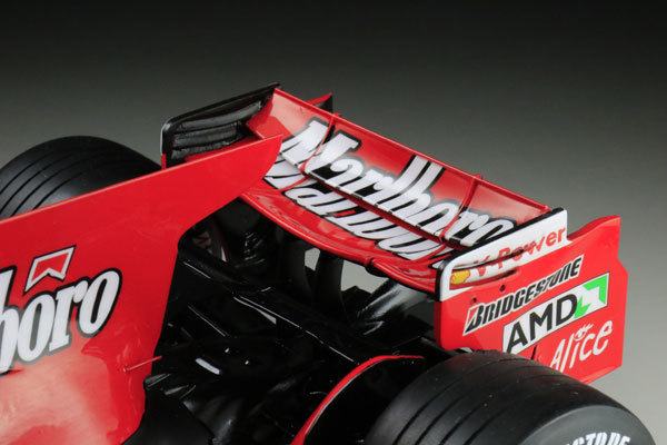 MFH 1/12 フェラーリ F2008 マルボロ仕様 完成品_画像7