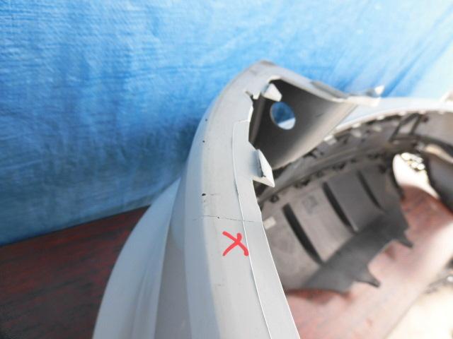 AE412 ポルシェ マカン 95B リアバンパー 白_画像9