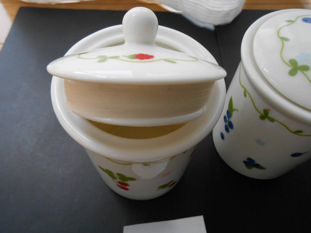 マザーガーデン 密閉容器 保存容器 3個 セット 磁器製 野いちご ブルーベリー  未使用 カントリーキッチン_画像3