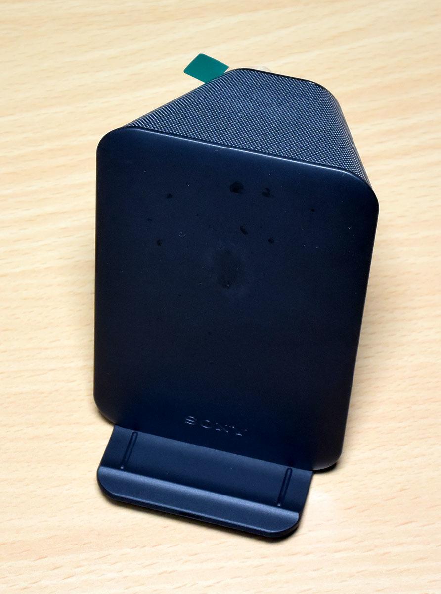 DOCOMO Xperia XZ2 Premium SO-04K (黒) (保護シート、SONY純正ワイヤレス充電器付)_画像8