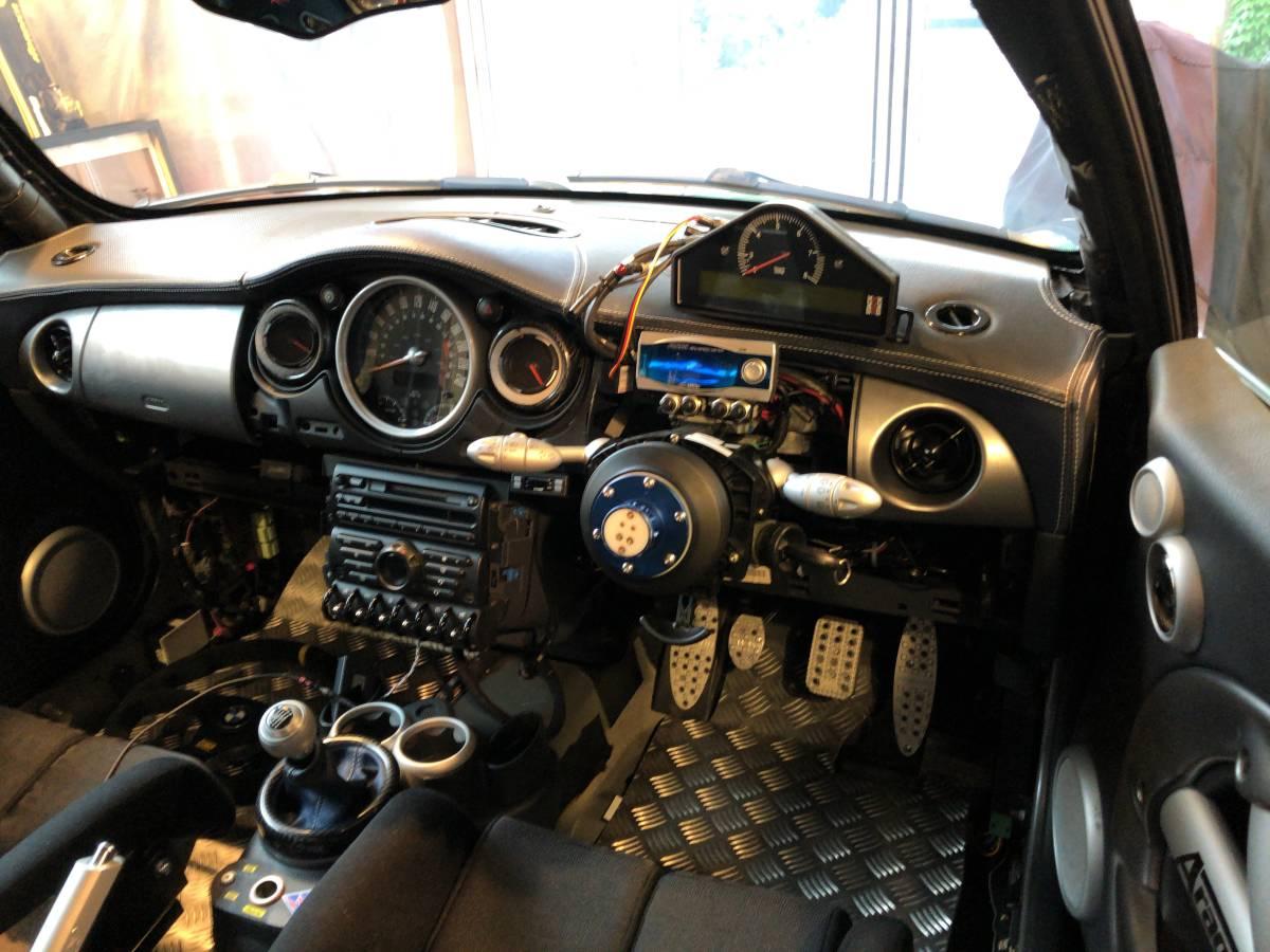 ■■ BMW MINI COOPER S RE-16 John Cooper Works Kit セミレースカー ■■_画像4
