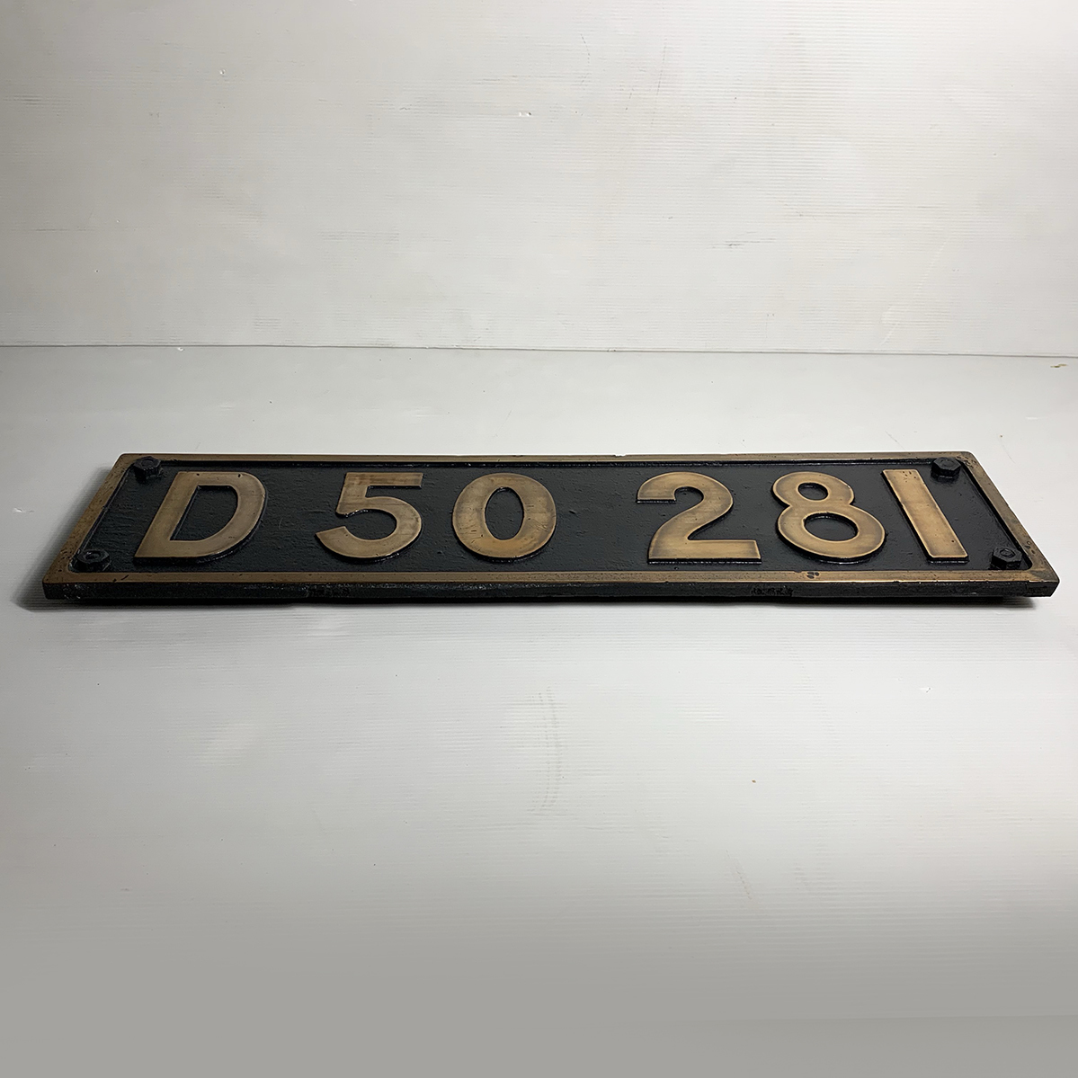ボルト付 実装品!!超希少 国鉄 当時物 D50 281 デゴマル SL D50形 蒸気機関車 砲金 ナンバープレート 番号板 車両部品 鉄道 北海道 デゴレ_画像2