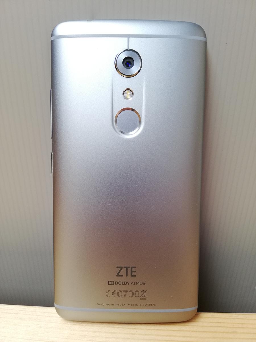 送料無料! ZTE AXON7 クオーツグレー 美品 SIMフリー おまけ付_画像2