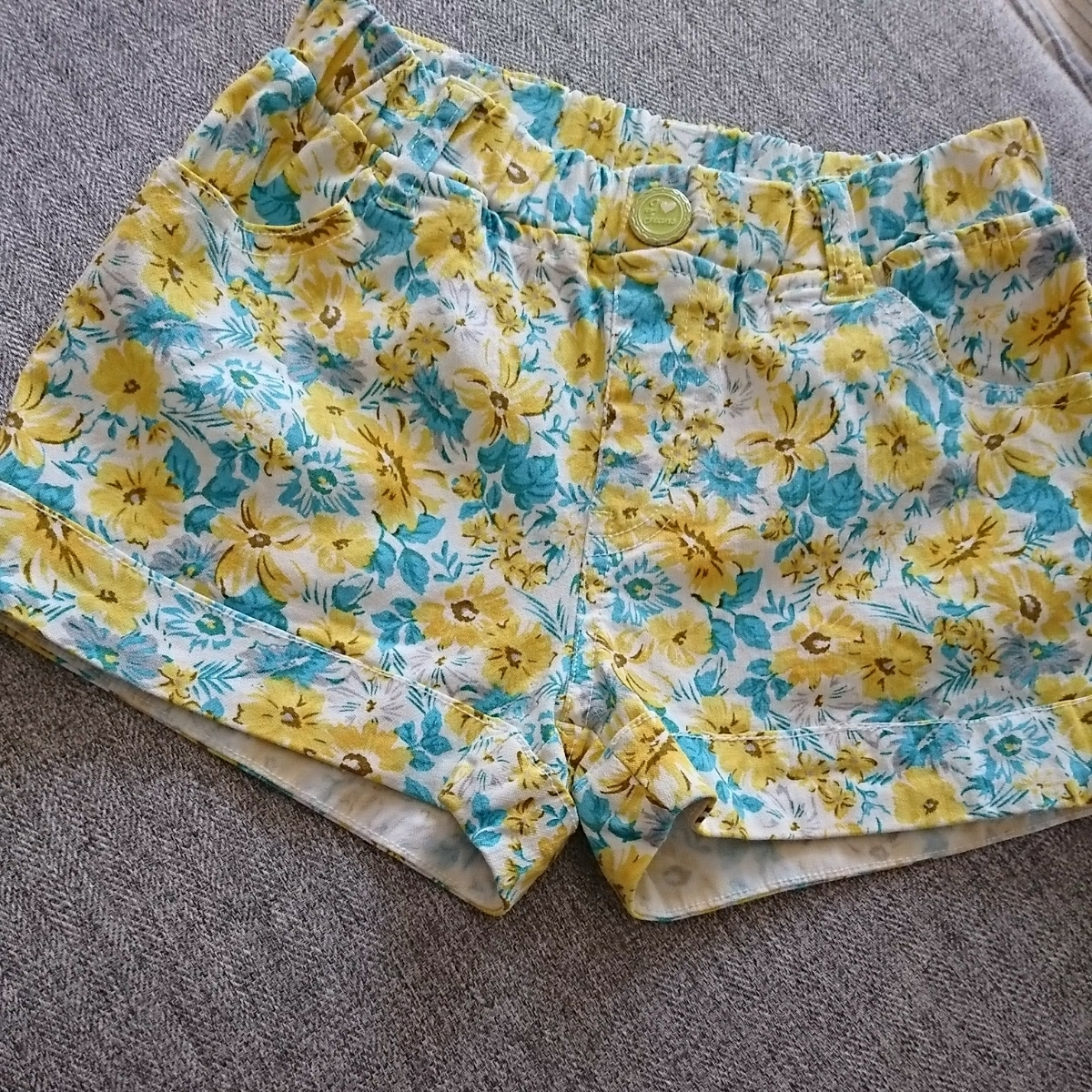 美品★花柄がかわいいショートパンツ★夏 130cm 女の子 マックハウス ボトムス パンツ