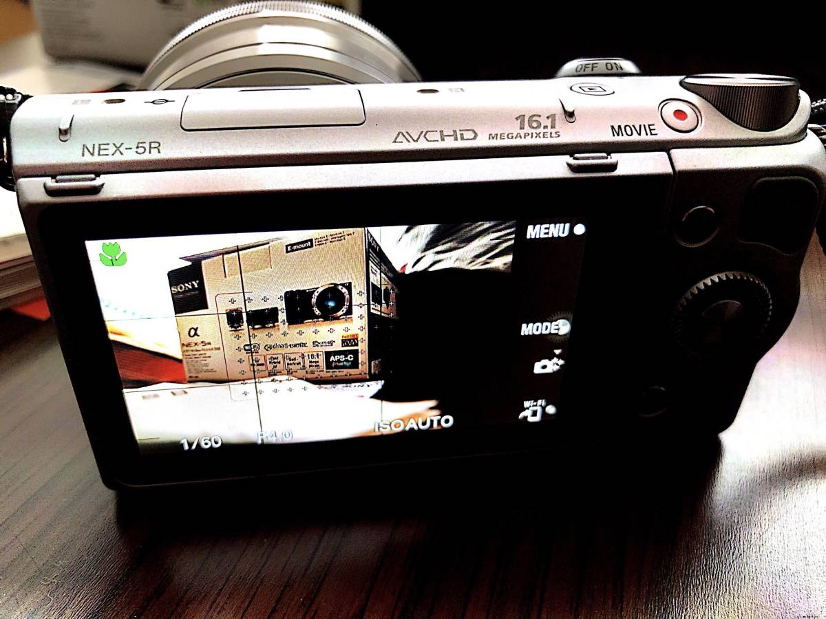 【中古美品】SONY NEX-5RL(純正バッテリー2個、純正革ケース付属)_画像3
