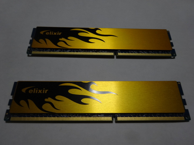 CFD Elixir DDR3-1600 (PC3-12800) デスクトップ用メモリ 240pin DIMM(HeatShink搭載) 4GB×2枚セット W3U1600HQ-4G 中古_画像2