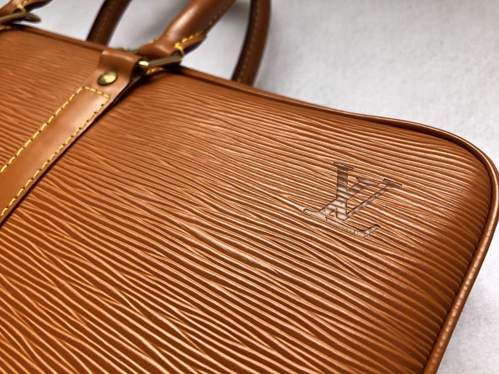 極美品 ほぼ未使用 使用1回のみ ルイ ヴィトン Louis Vuitton エピ ブラウン 茶 ビジネスバッグ _画像3