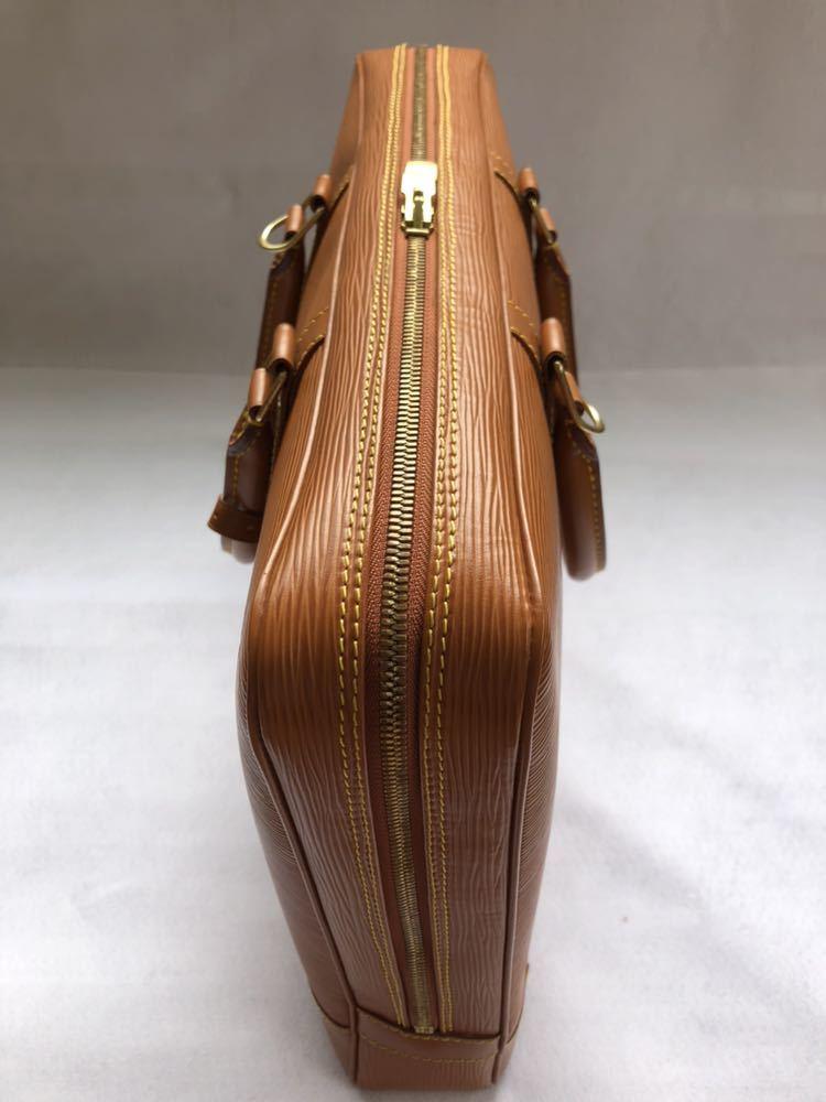 極美品 ほぼ未使用 使用1回のみ ルイ ヴィトン Louis Vuitton エピ ブラウン 茶 ビジネスバッグ _画像6