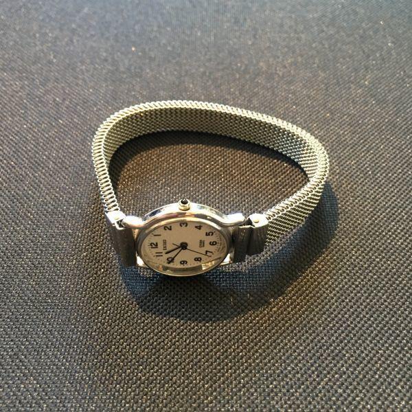 シチズン CITIZEN EXCEED エクシード レディース 腕時計 クォーツ 3針 婦人 時計 シルバー色 中古 当時物 /S387_画像4