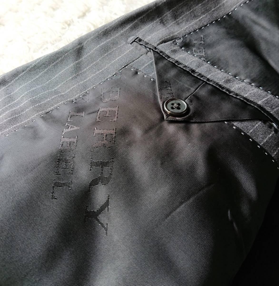 美品 英国仕様 希少な極上デザイン英文字ロゴ入 柔らかな肌触り★ バーバリー ブラック レーベル スーツ セットアップ メンズ ダークグレー_画像8