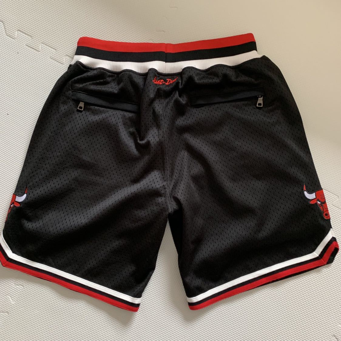 レアNBA JUST☆DON CHICAGO BULLS SHORTS Chicago Bulls Mesh M KANYE WEST DON C just donシカゴブルズ _画像3