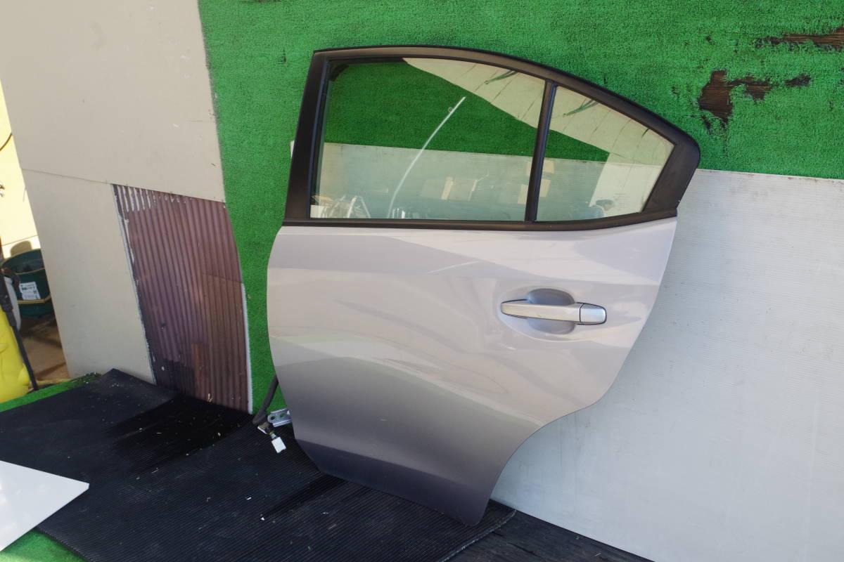 スバル インプレッサ XV GT3 リアドア左_画像2