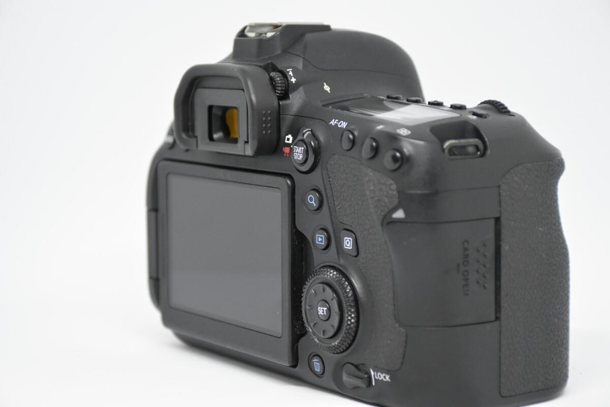 1円~Canon EOS 6D MARK2 ボディ 元箱付美品 最低落札価格なし_画像5