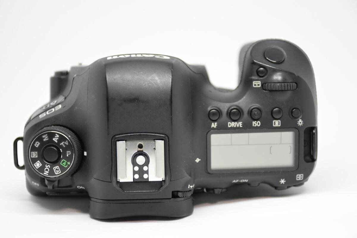 1円~Canon EOS 6D MARK2 ボディ 元箱付美品 最低落札価格なし_画像6