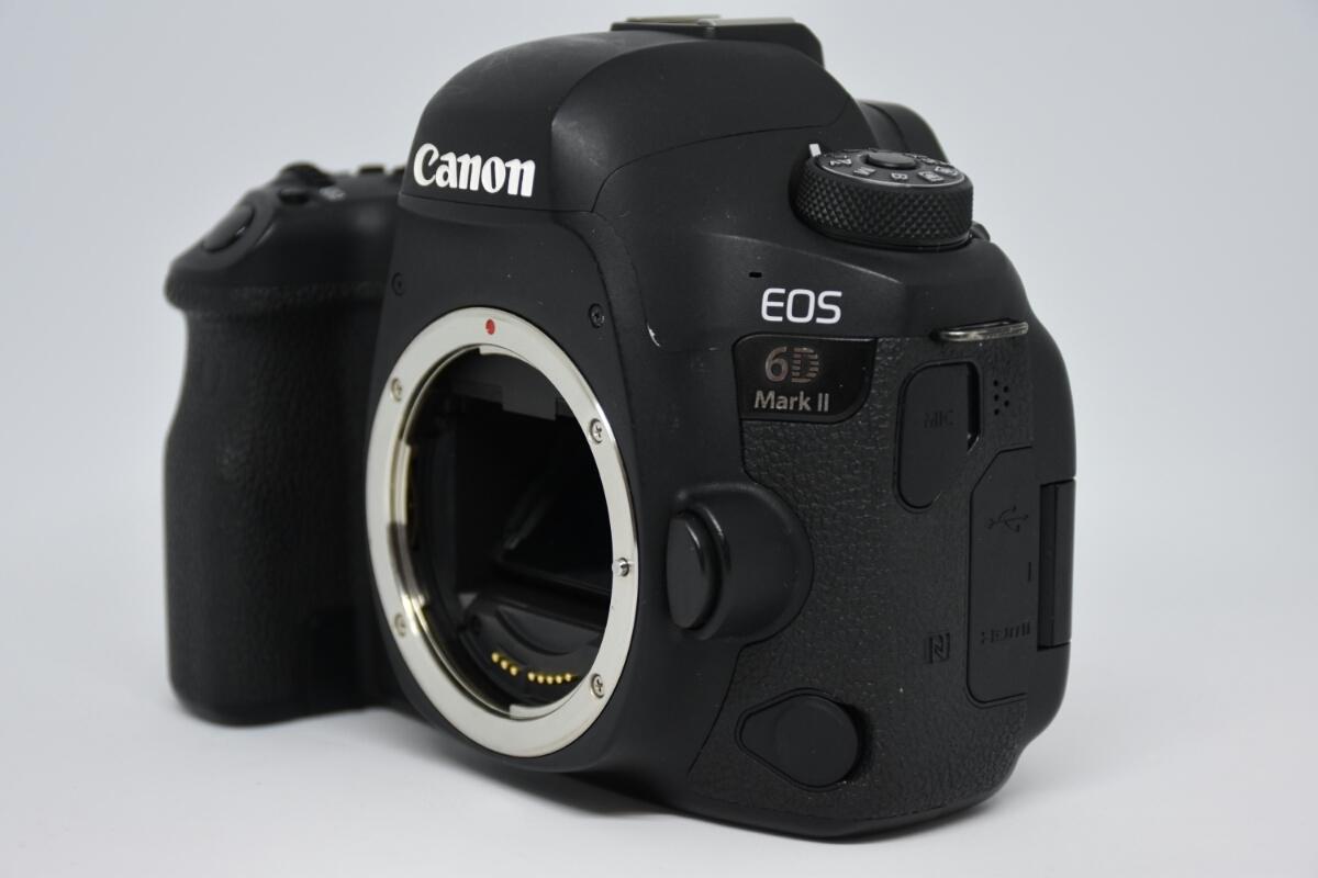 1円~Canon EOS 6D MARK2 ボディ 元箱付美品 最低落札価格なし_画像3