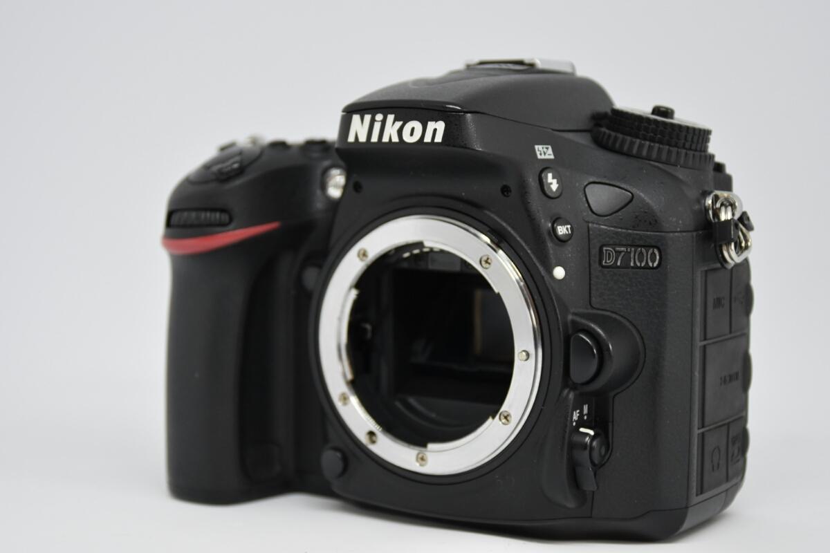 1円~ Nikon D7100ボディ レンズ2本セット 付属品多数 元箱あり 動作確認OK 美品_画像2