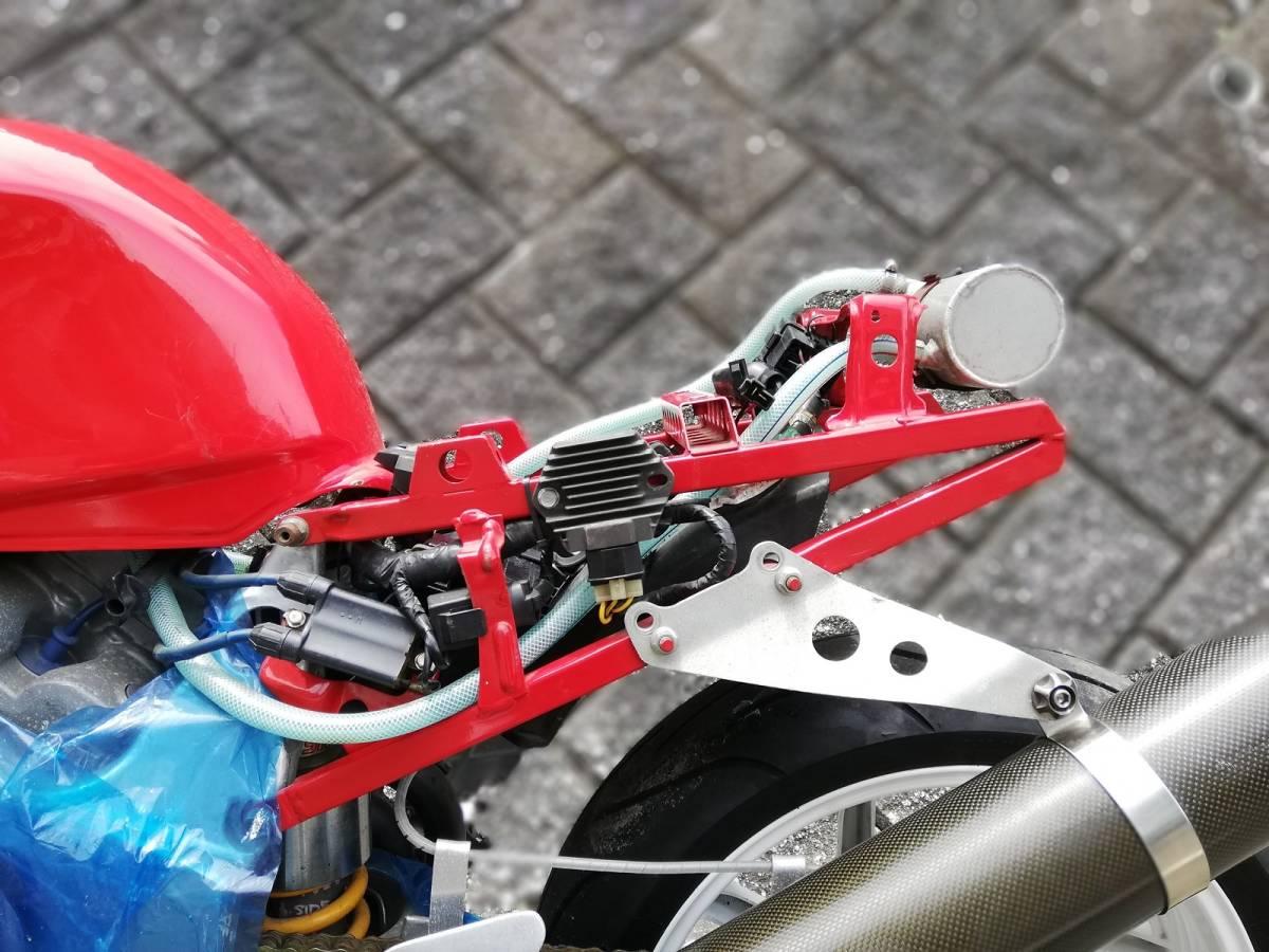 RVF400 ラッキーストライクカラー HRCクロスミッション_画像5