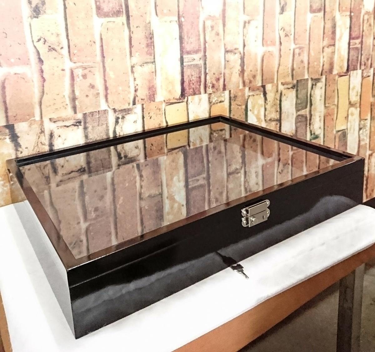 美品☆ディスプレイ ケース コレクションボックス カギ付き 黒 壁掛けにも!