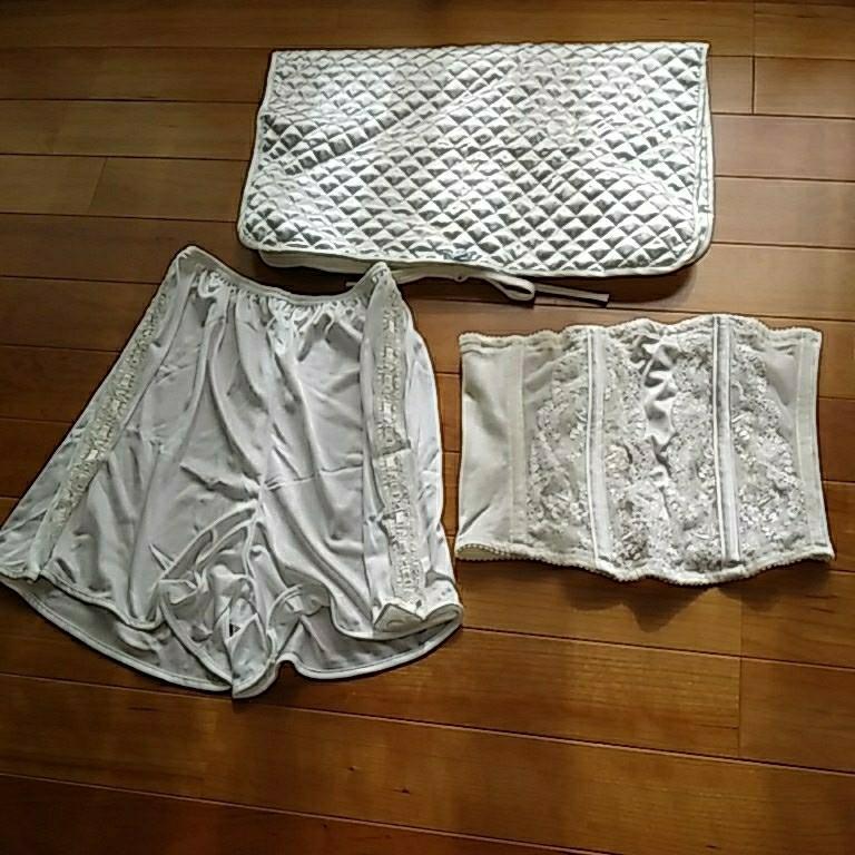 【送料無料】ウエディング用インナーウェア ビスチェ&ペチコート(ブラなし) &収納袋 ワコール 結婚式 サイズ表記は4枚目要確認