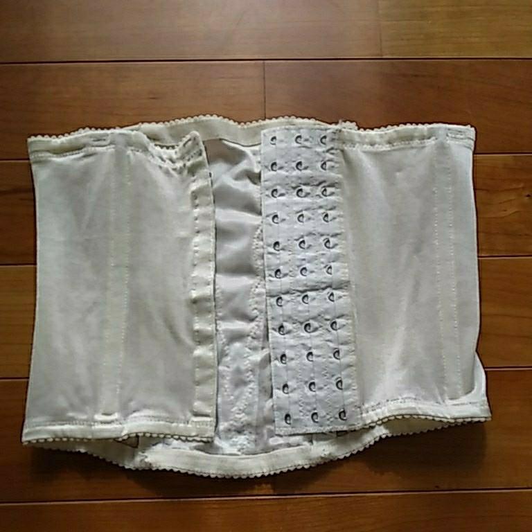 【送料無料】ウエディング用インナーウェア ビスチェ&ペチコート(ブラなし) &収納袋 ワコール 結婚式 サイズ表記は4枚目要確認_画像3