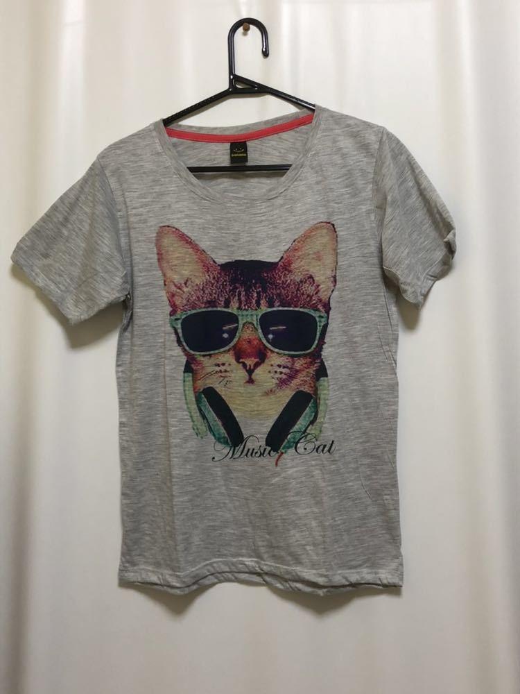 ネコ柄Tシャツ