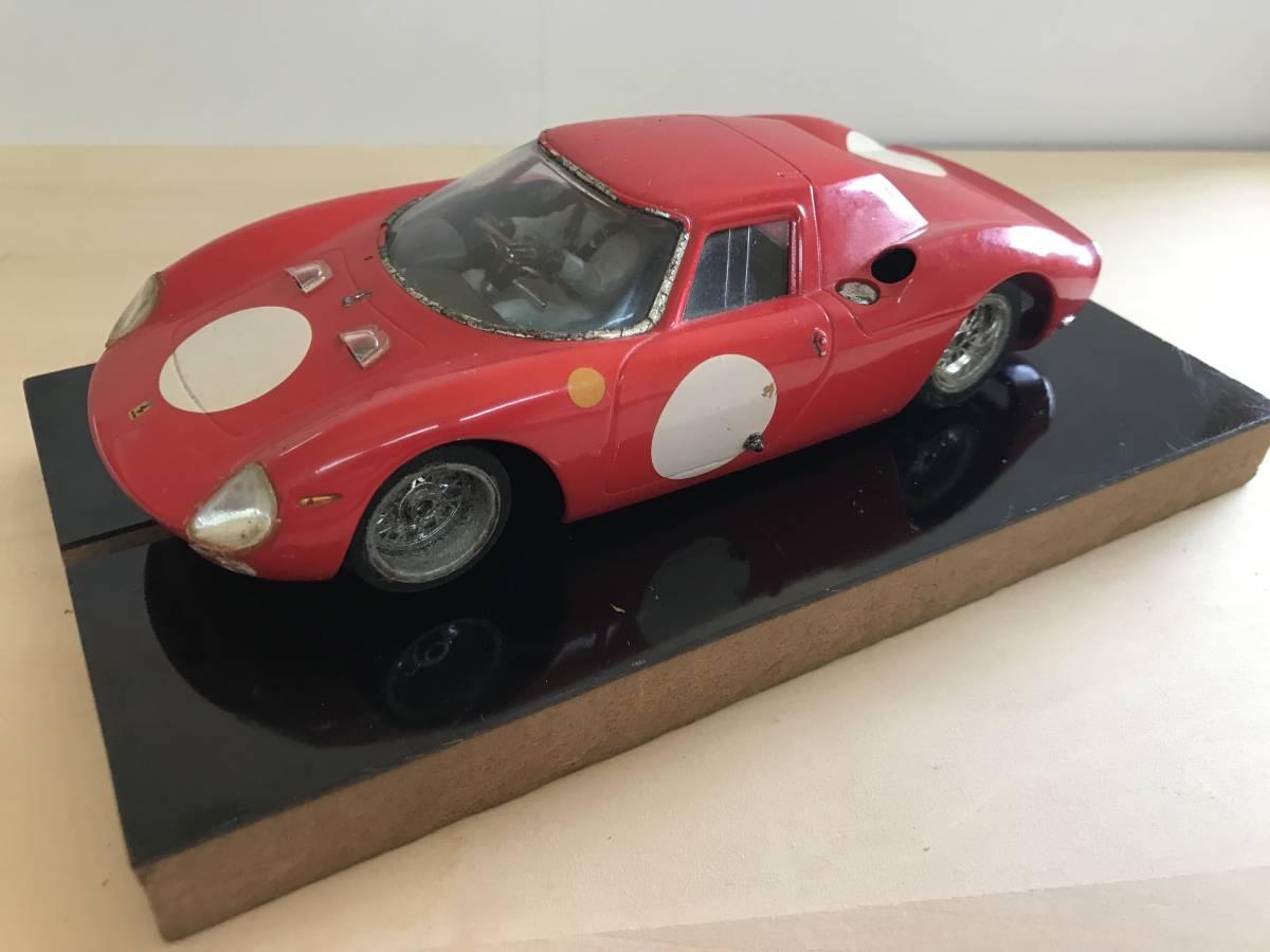 1/24 古い昔のスロットカー シャーシ&ボディー(フェラーリ 250LM)付き