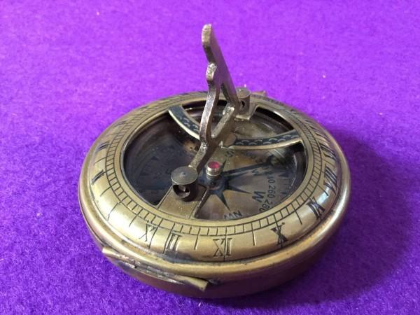 ykbd/1900618/l51/p60/Y/3★コンパス① 英国 アンティークコンパス スタンレー stanley 羅針盤 ケース付き 日時計_画像2