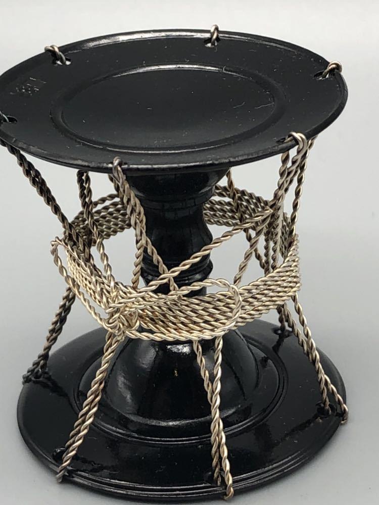 【悠】1000円~ お茶道具 黒漆 銀線紐鼓 蓋置 《井波慶州》造 共箱有 煎茶道具 茶道具 _画像2