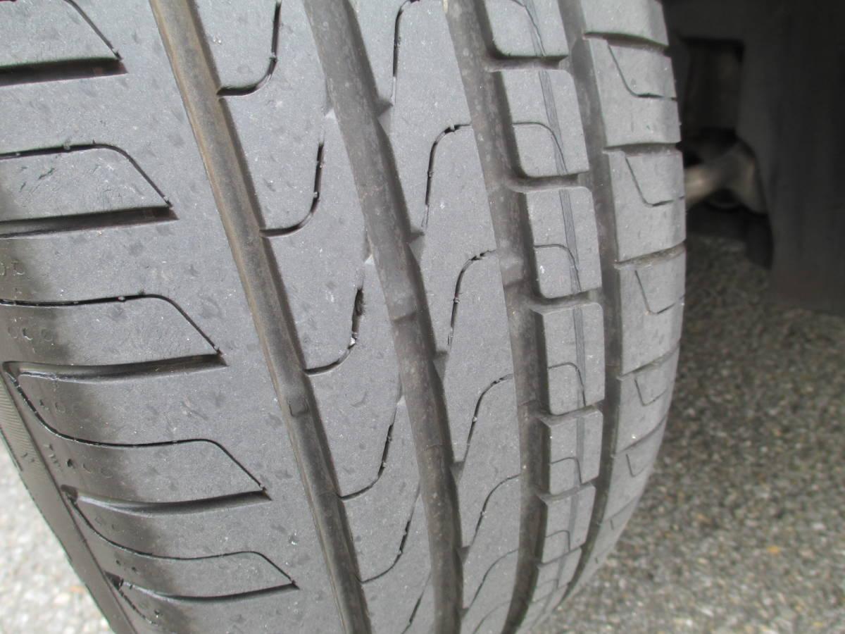 タイヤの山は4本共に充分有ります!