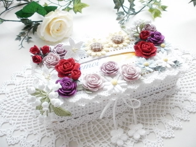 ハンドメイド*レース編み *お花モチーフ付きティッシュボックスカバー*薔薇・すずらん・百合・ひまわり・マーガレット_画像5