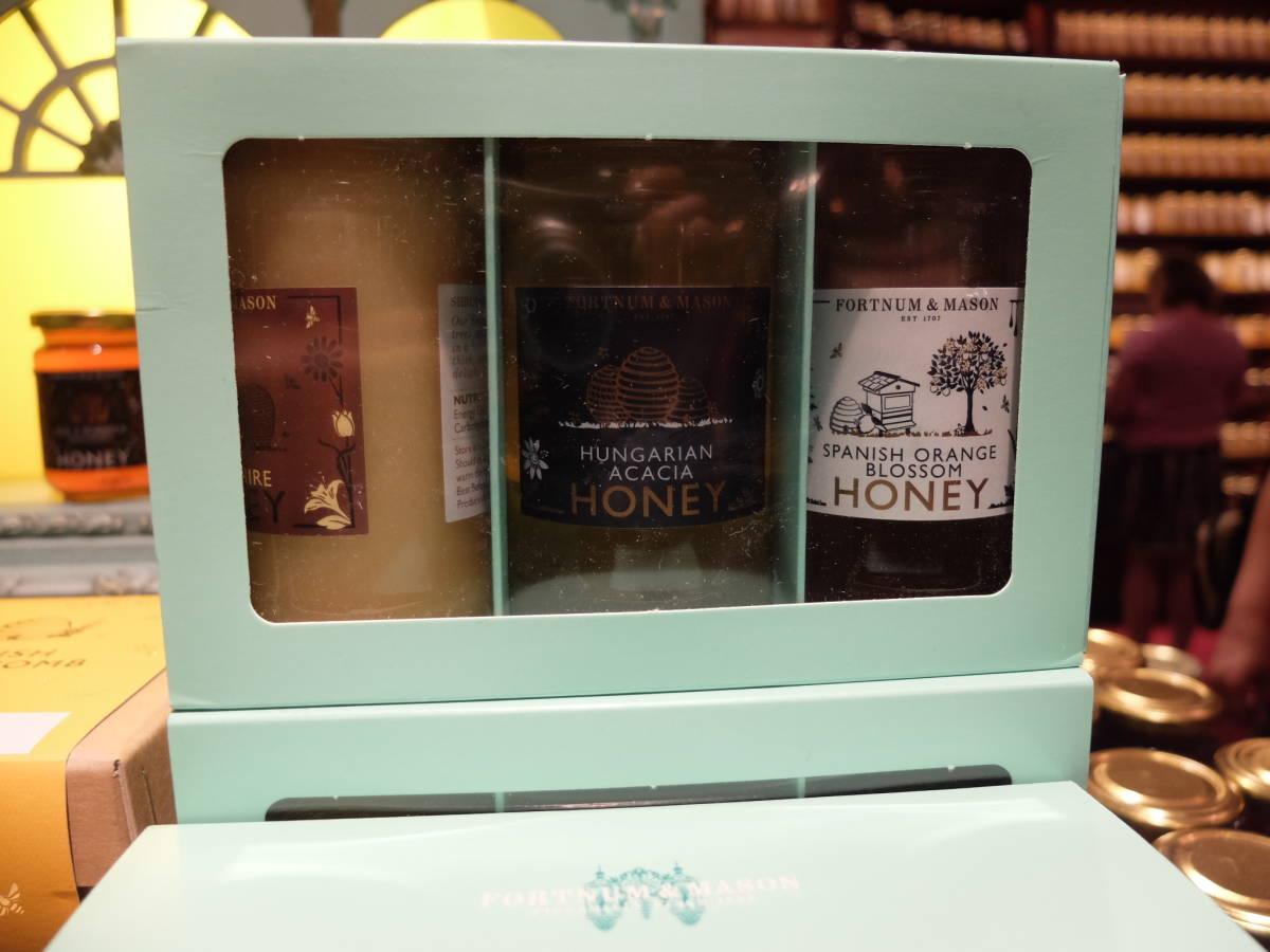 ラスト1箱・自慢のベスト3蜂蜜【はちみつが大好きな方に!】フォートナム&メイソンのギフトパック~Fortnum's Honey Gift Pack, 840g_画像4