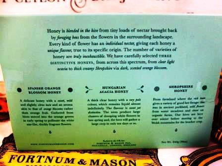 ラスト1箱・自慢のベスト3蜂蜜【はちみつが大好きな方に!】フォートナム&メイソンのギフトパック~Fortnum's Honey Gift Pack, 840g_花と太陽がいっぱいのベスト3
