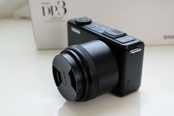 ★美品: Sigma DP3 Merrill レンズフード(LH3-01)及び バッテリー2個付属_画像6