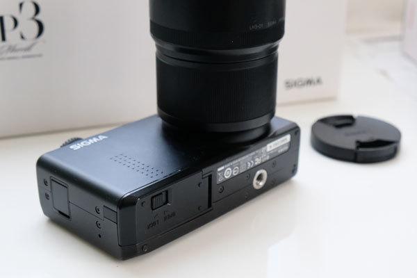 ★美品: Sigma DP3 Merrill レンズフード(LH3-01)及び バッテリー2個付属_画像5