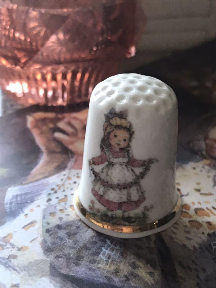 新品◆廃盤英国バーチクロフト社製シンブル指貫◆ボーンチャイナ◆フラワーガール_画像2