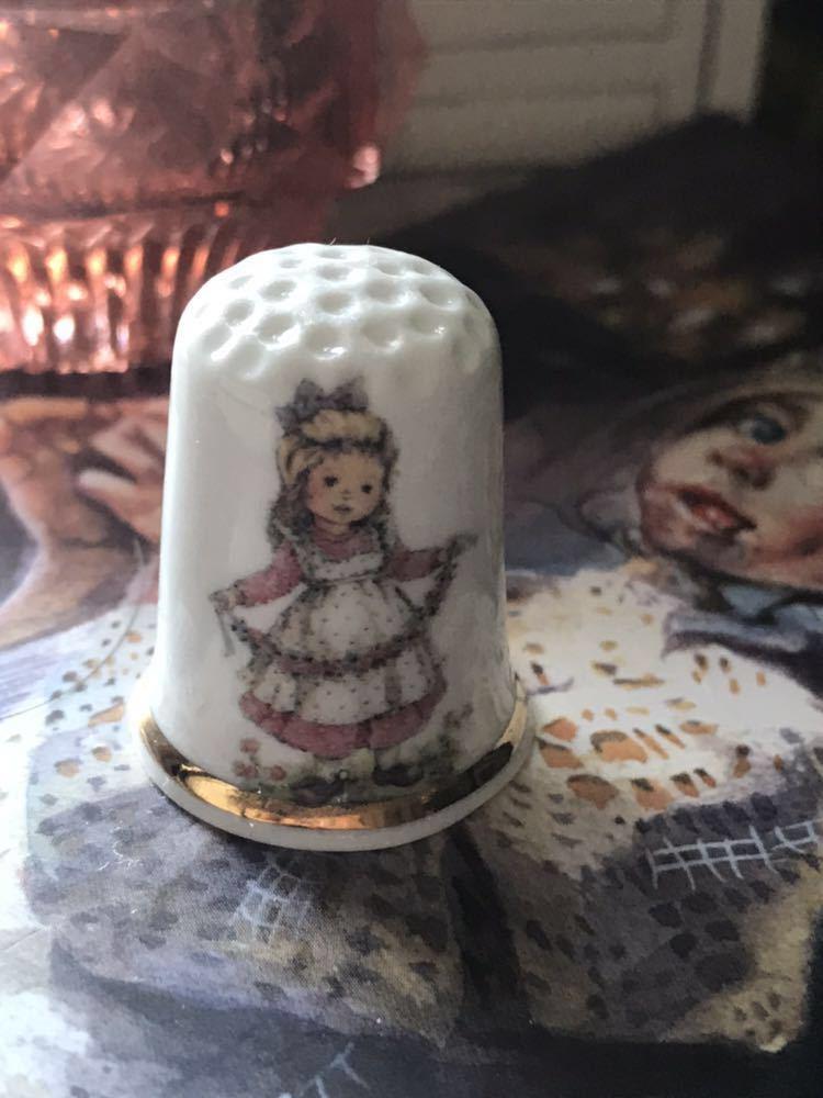 新品◆廃盤英国バーチクロフト社製シンブル指貫◆ボーンチャイナ◆フラワーガール_画像1