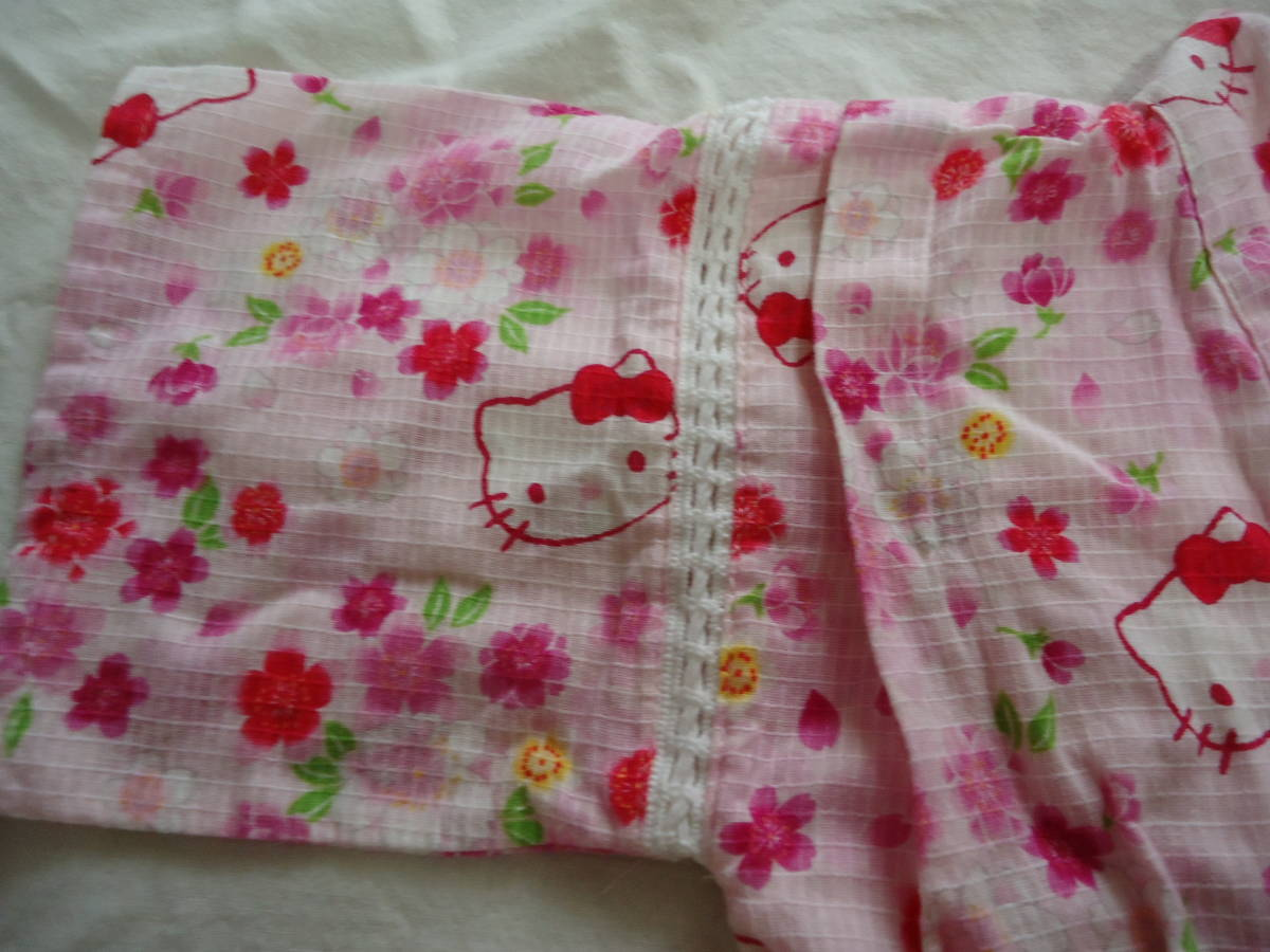 USED★ハローキティ 90センチ ピンク色の可愛い甚平 花柄が綺麗_画像3